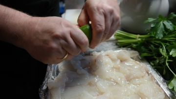 Fisken skal syrebades i limesaft